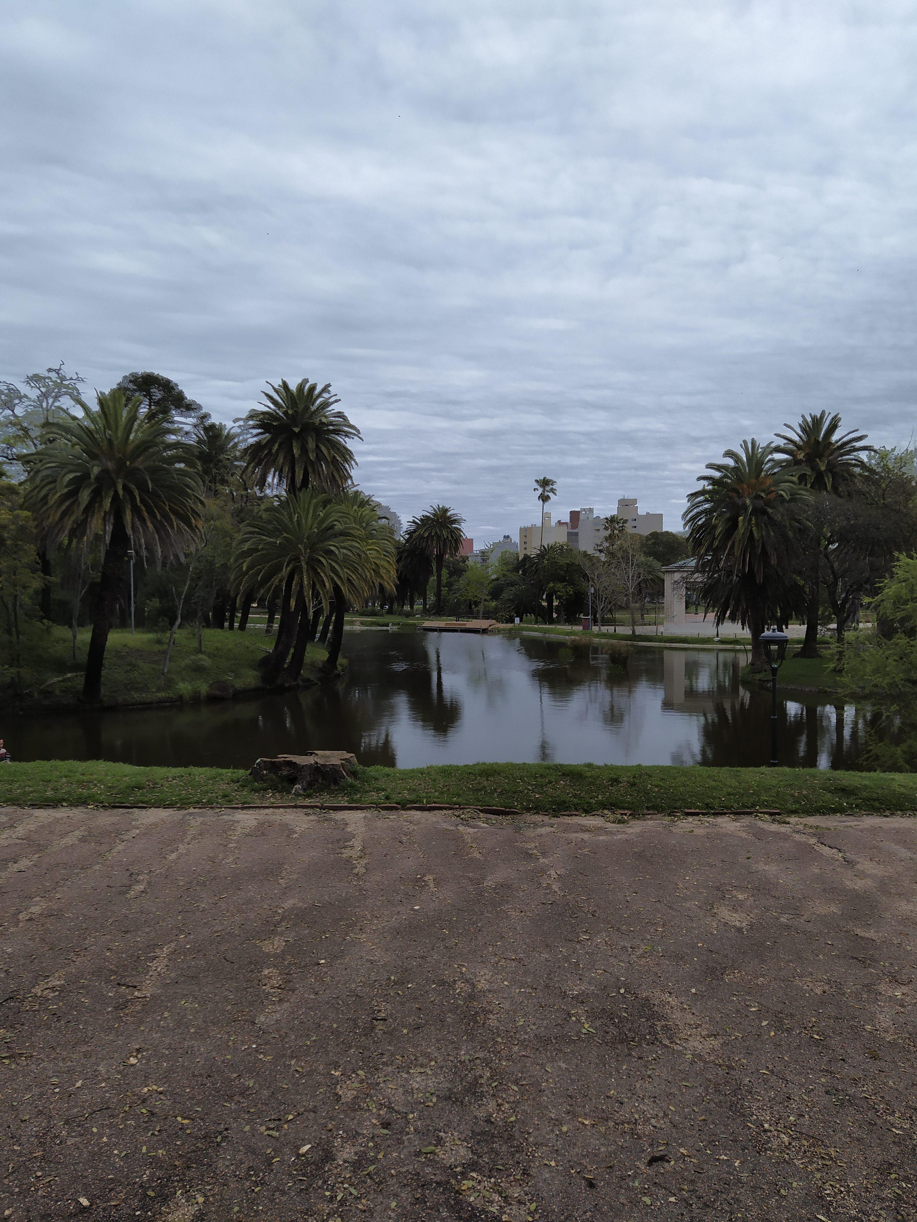 FUMANDO UM NA RUA no Uruguai