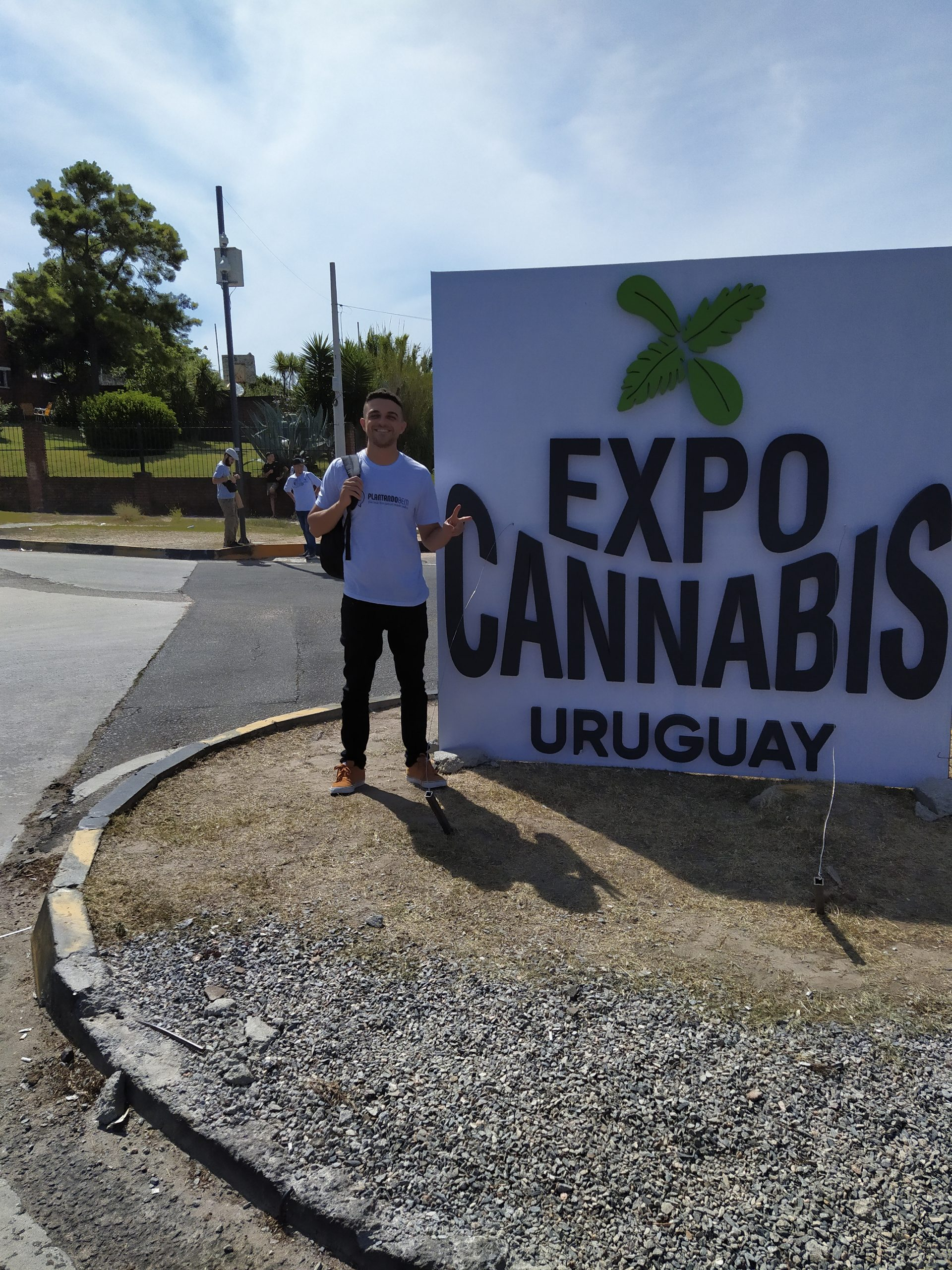 Chegando na Expo – Cannabis fumando um ICE